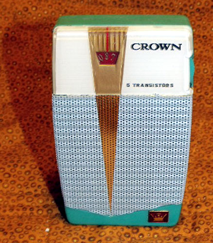 Crown TR-555 Stylish 5 Transistor Radio