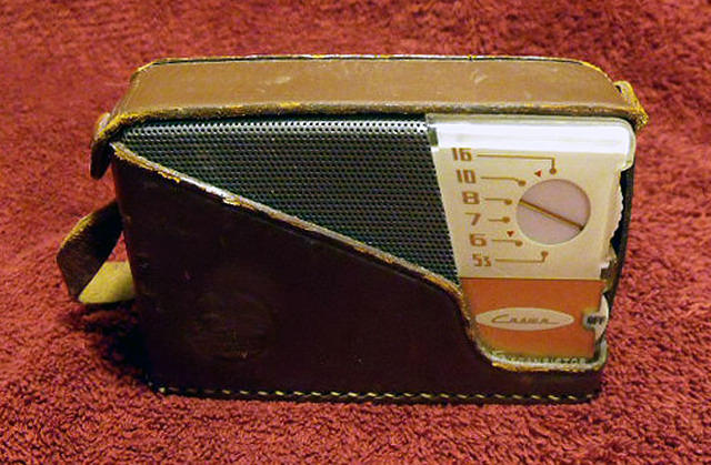 Crown TR-65 6 Transistor Radio - In Case